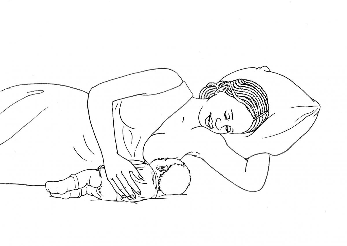 Breastfeeding - Mother and child breastfeeding at night - 06 - Non-country specific